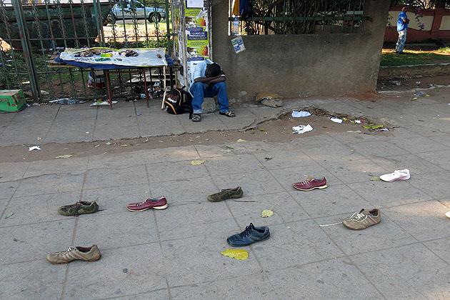 Prodavač bot v Maputu :-)